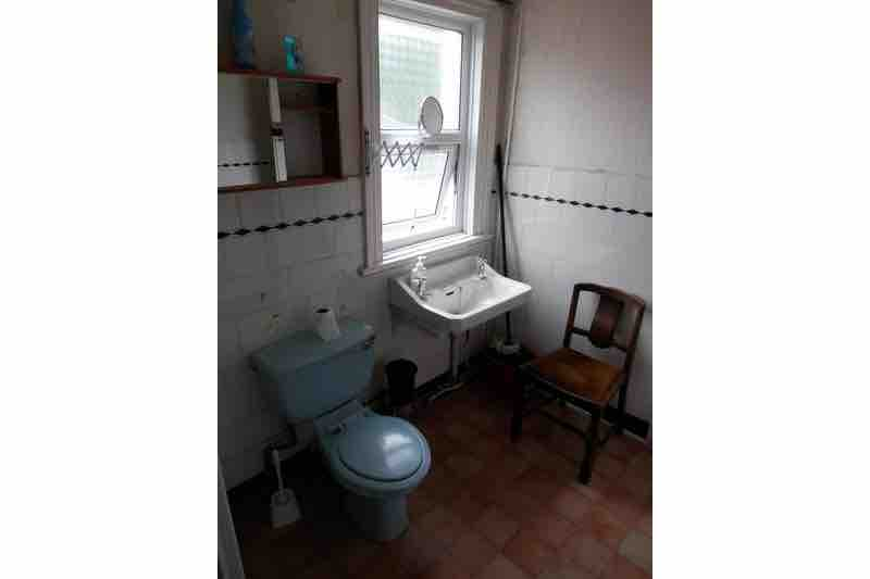 1 room in Westbourne, London, E1 7AY RoomsLocal image
