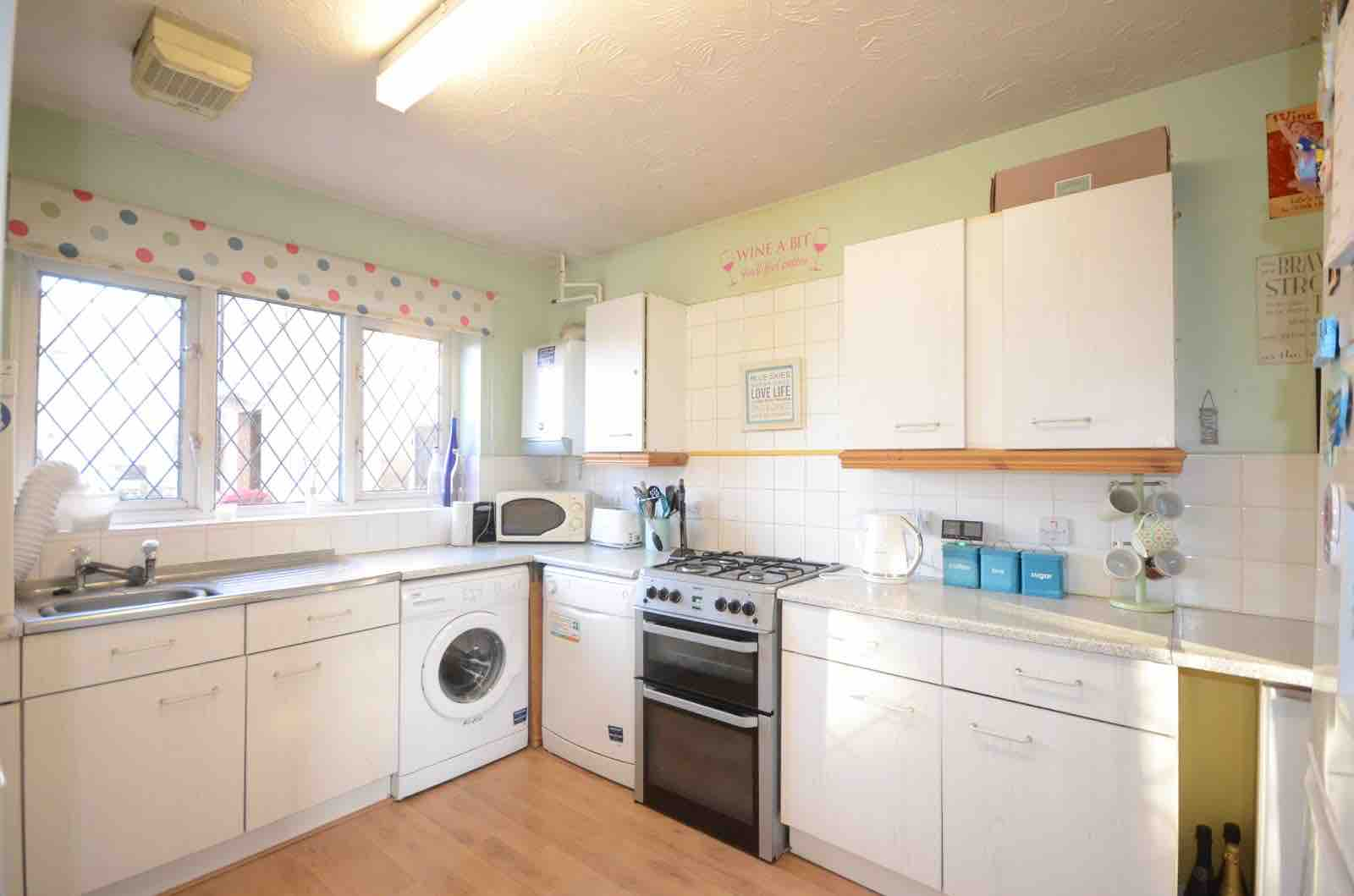 1 room in Cippenham, Berkshire, SL1 5UP RoomsLocal image