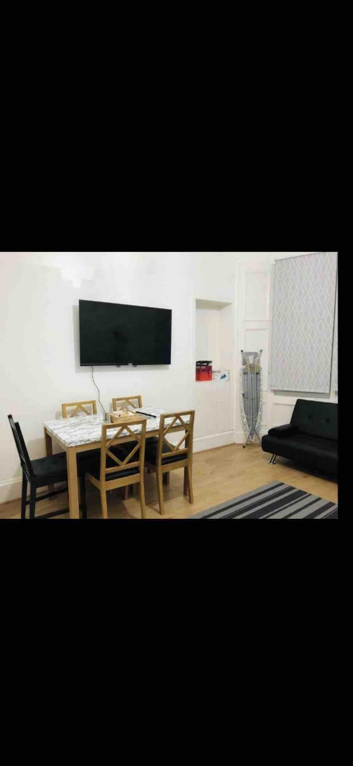 1 room in Rutherglen, Glasgow, G73 1AF RoomsLocal image