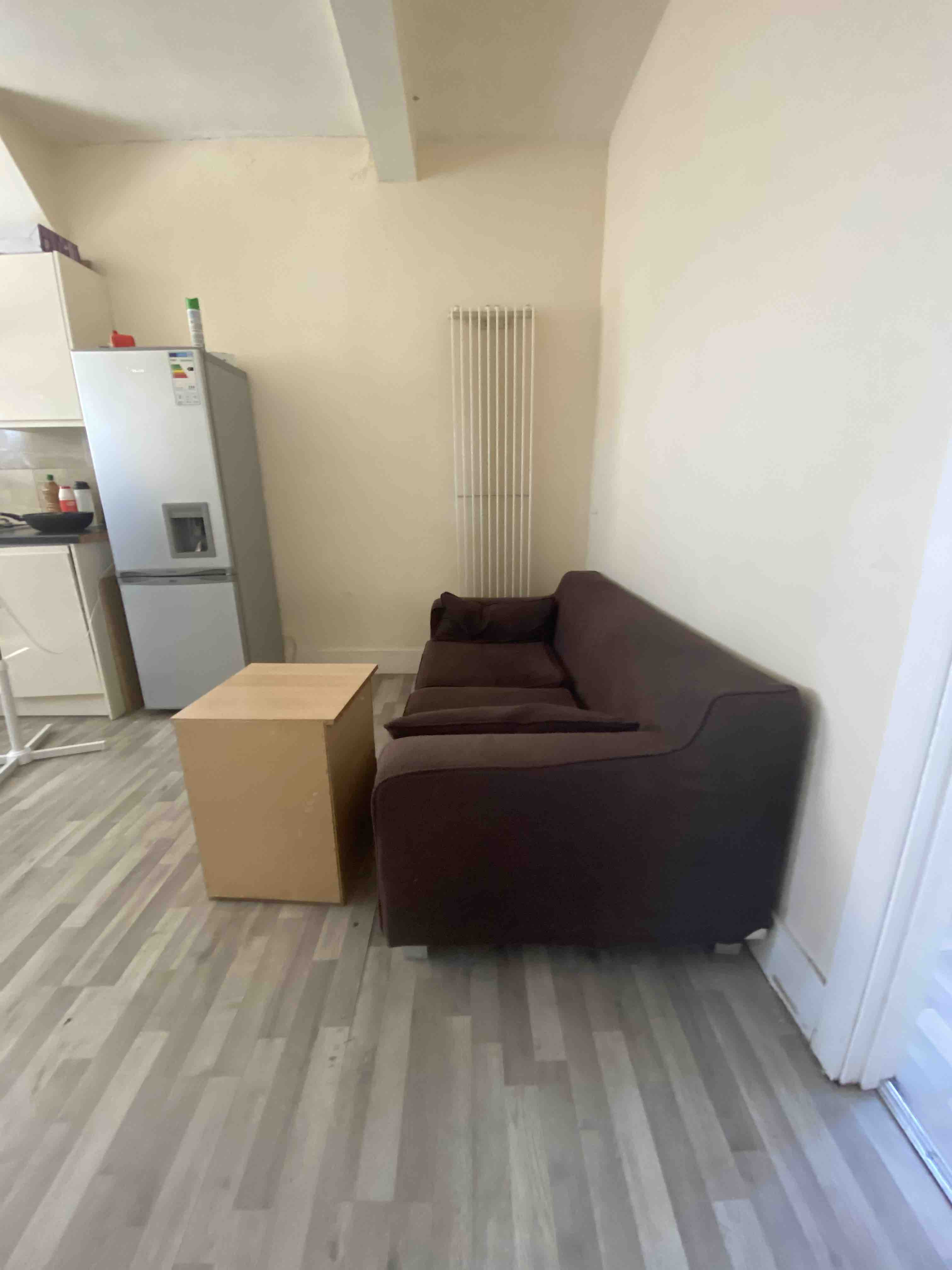 2 rooms in Lady Margaret, London, UB1 2HB RoomsLocal image