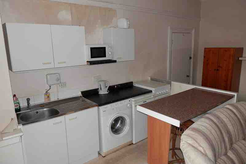 1 room in Selly Park, Birmingham, B29 7LH RoomsLocal image