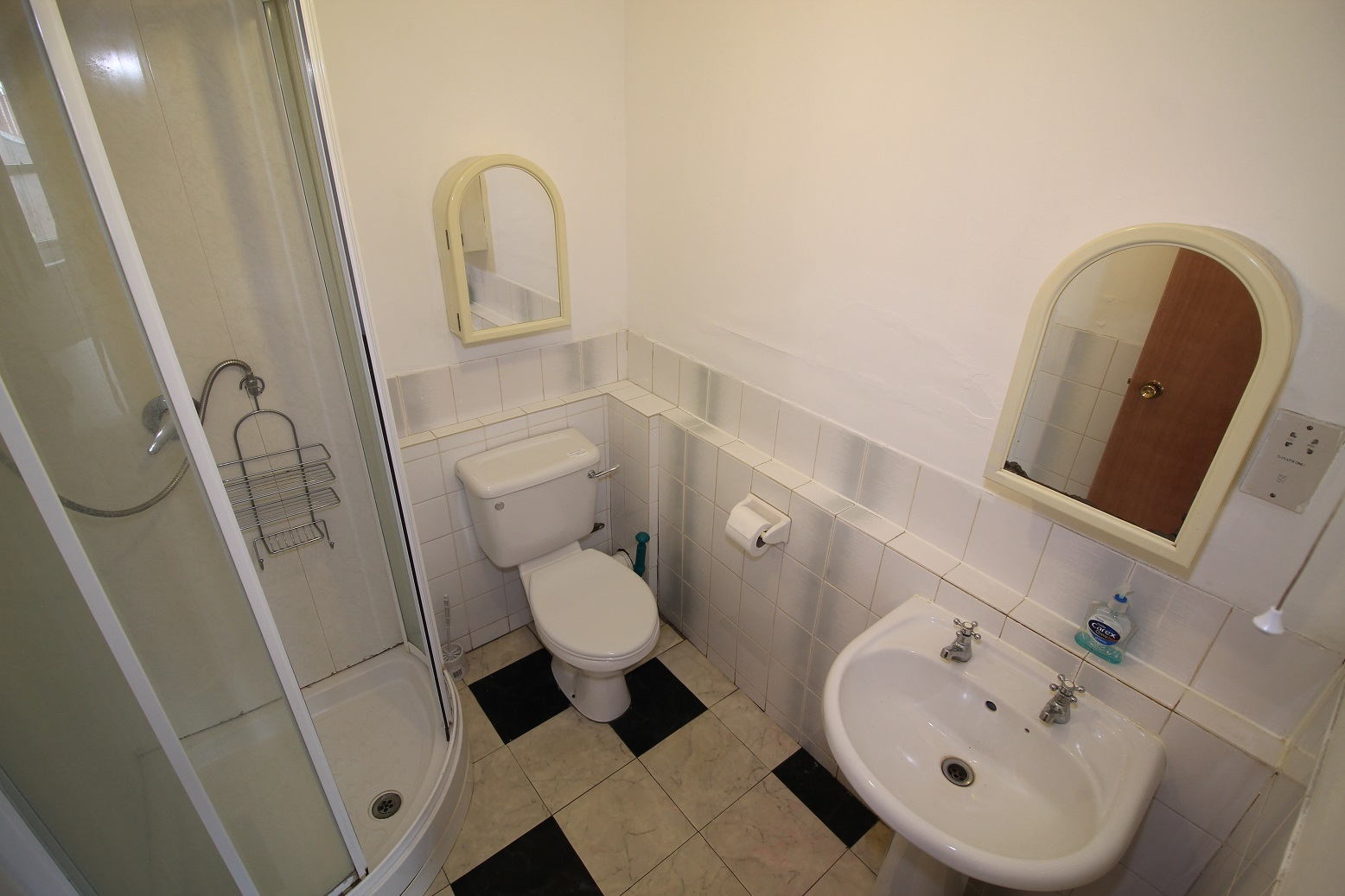 1 room in Hanger Hill, Hanger Hill, London, W5 3AP RoomsLocal image
