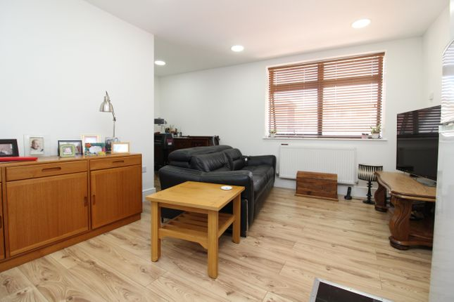 A one bedroom flat image