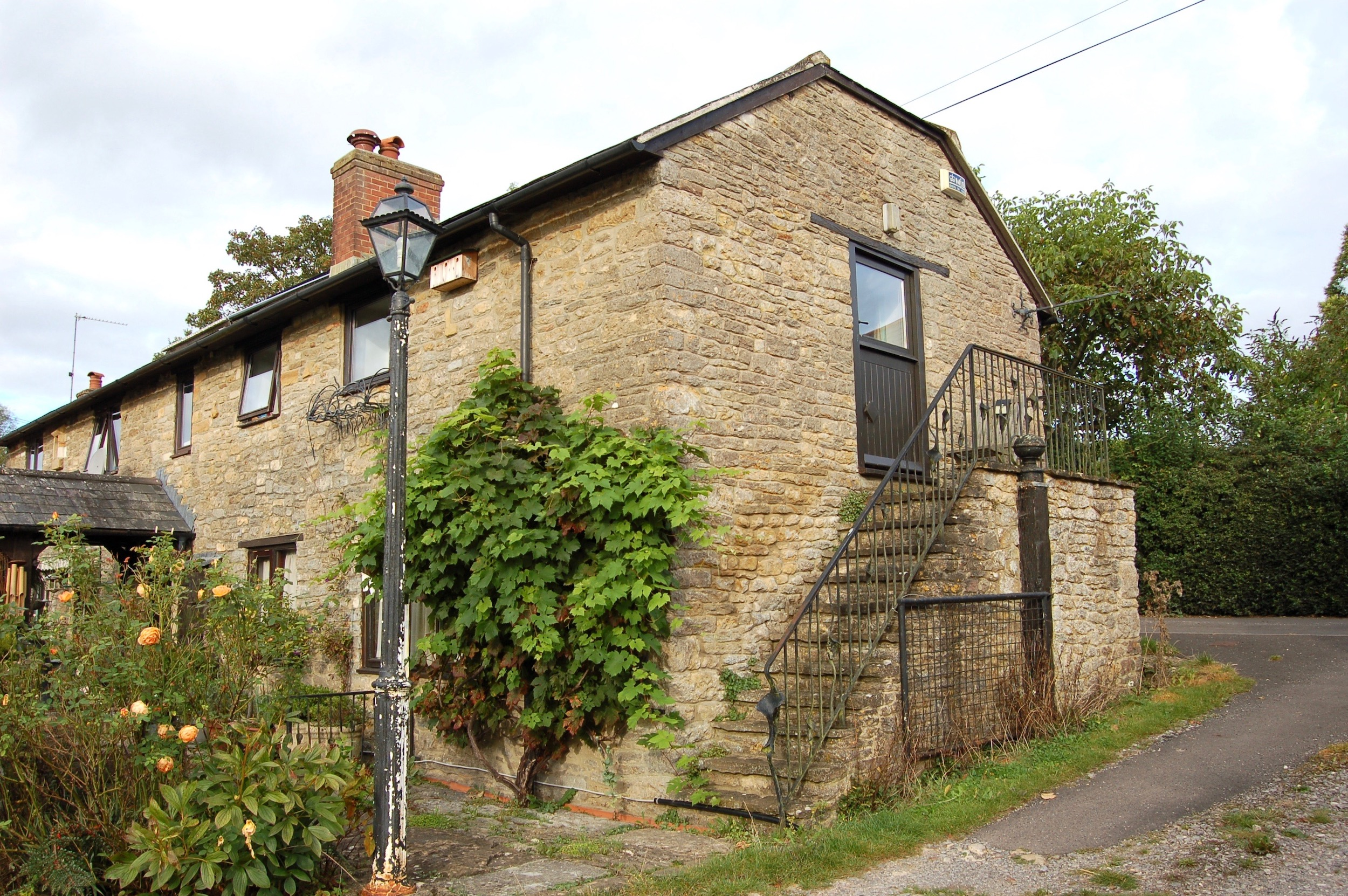 1 room in Abbas Combe, Templecombe, BA8 0HN RoomsLocal image