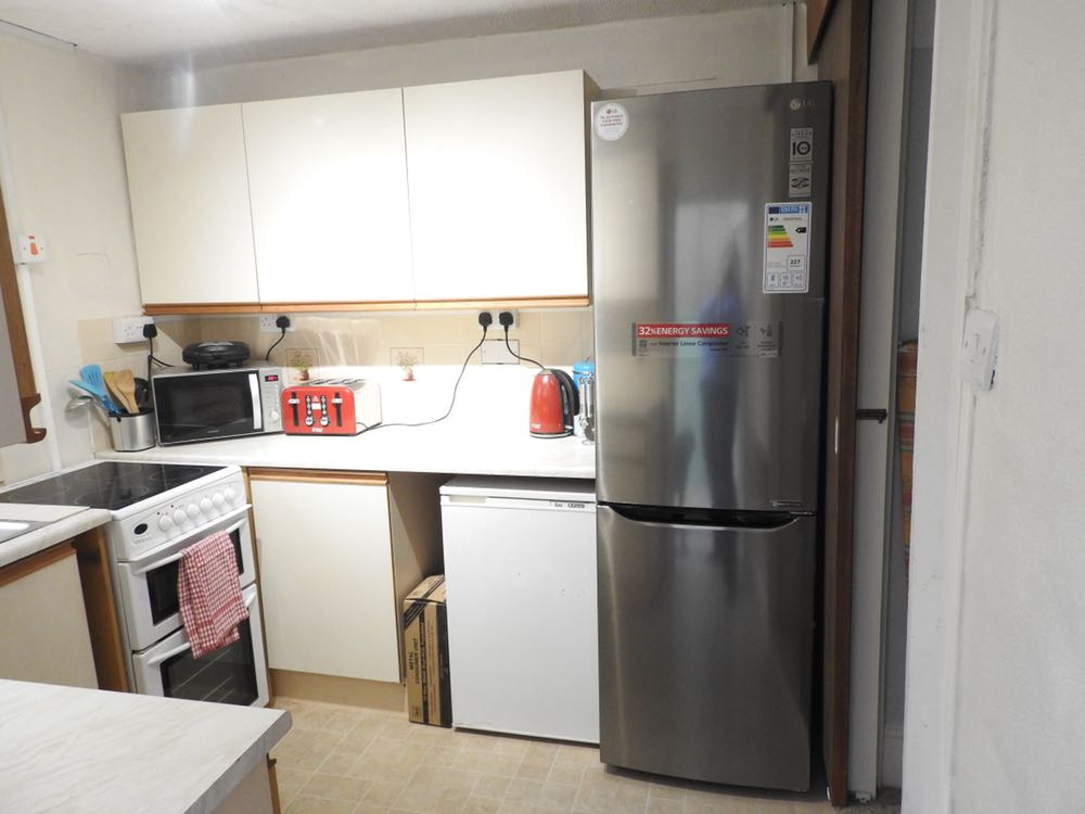 5 rooms in Twerton, Bath, BA21BW RoomsLocal image