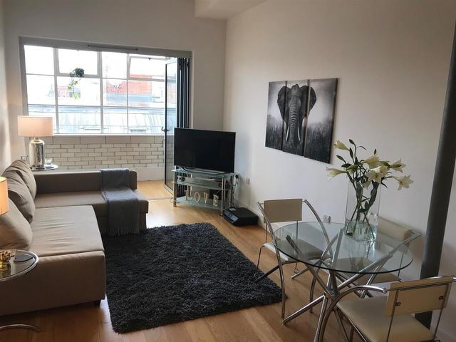1 room in Edgbaston, Birmingham, B15 1BG RoomsLocal image