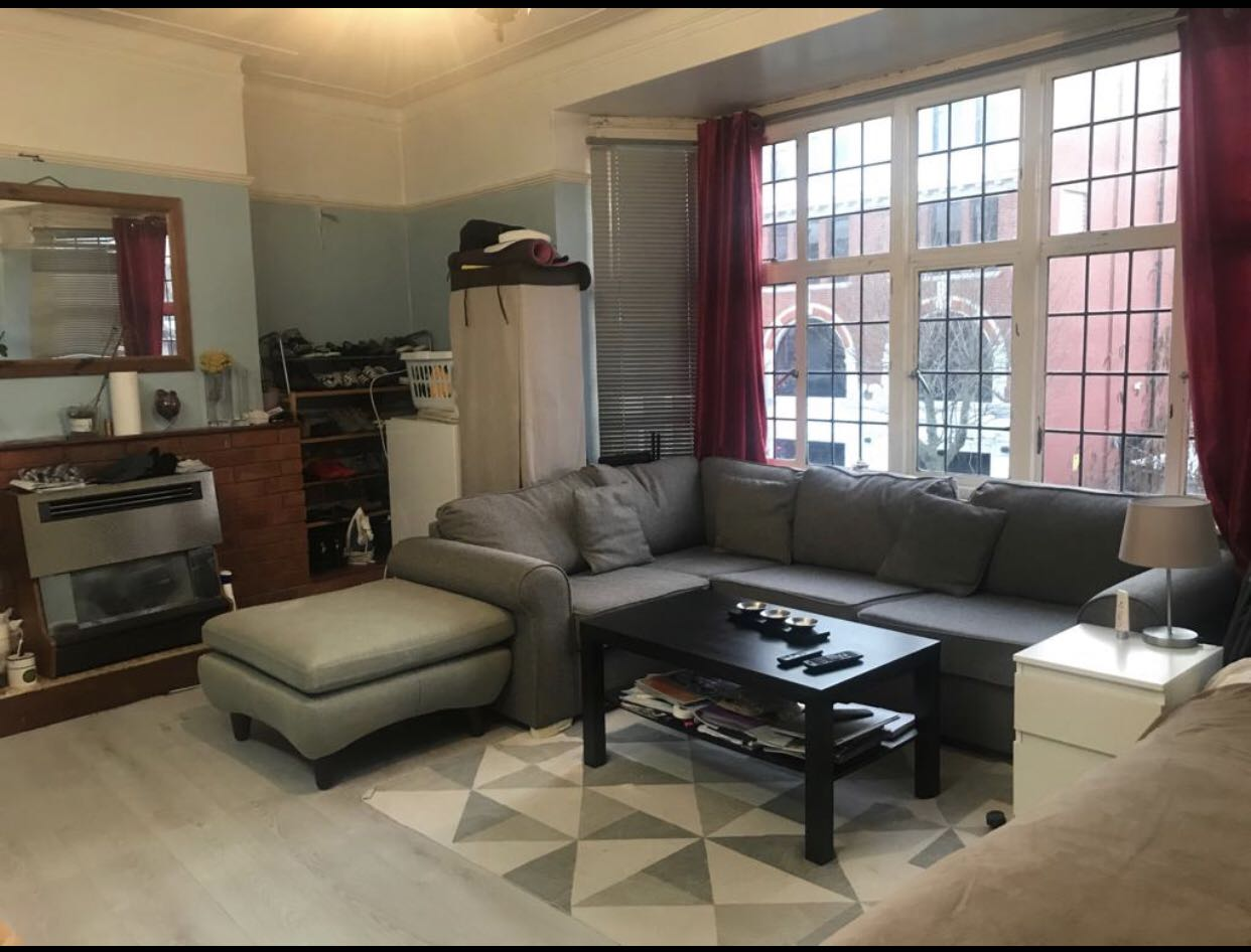 Property in Hove, Hove, BN3 1RD RoomsLocal image
