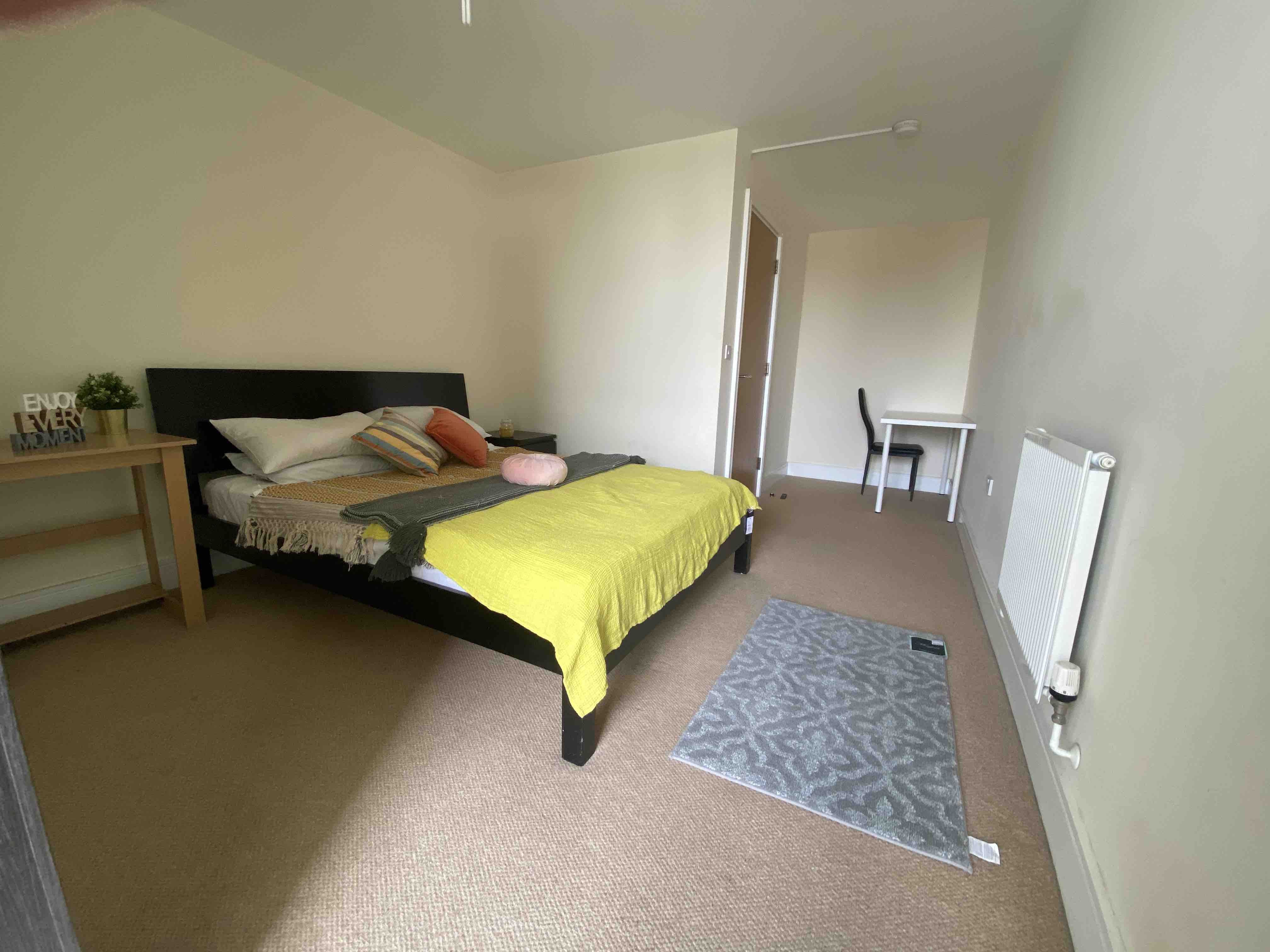 1 room in Cubitt Town, Canary Wharf, E14 9DJ RoomsLocal image
