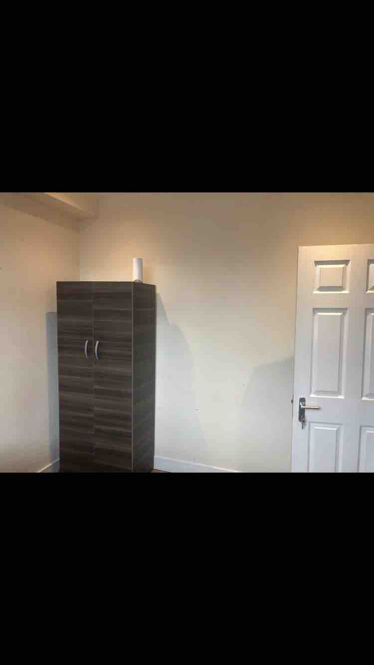 1 room in Hanger Hill, London, NW10 7HR RoomsLocal image