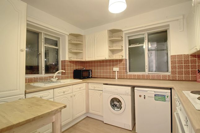 1 room in St. Dunstan's and Stepney Green, London, E14 7LG RoomsLocal image