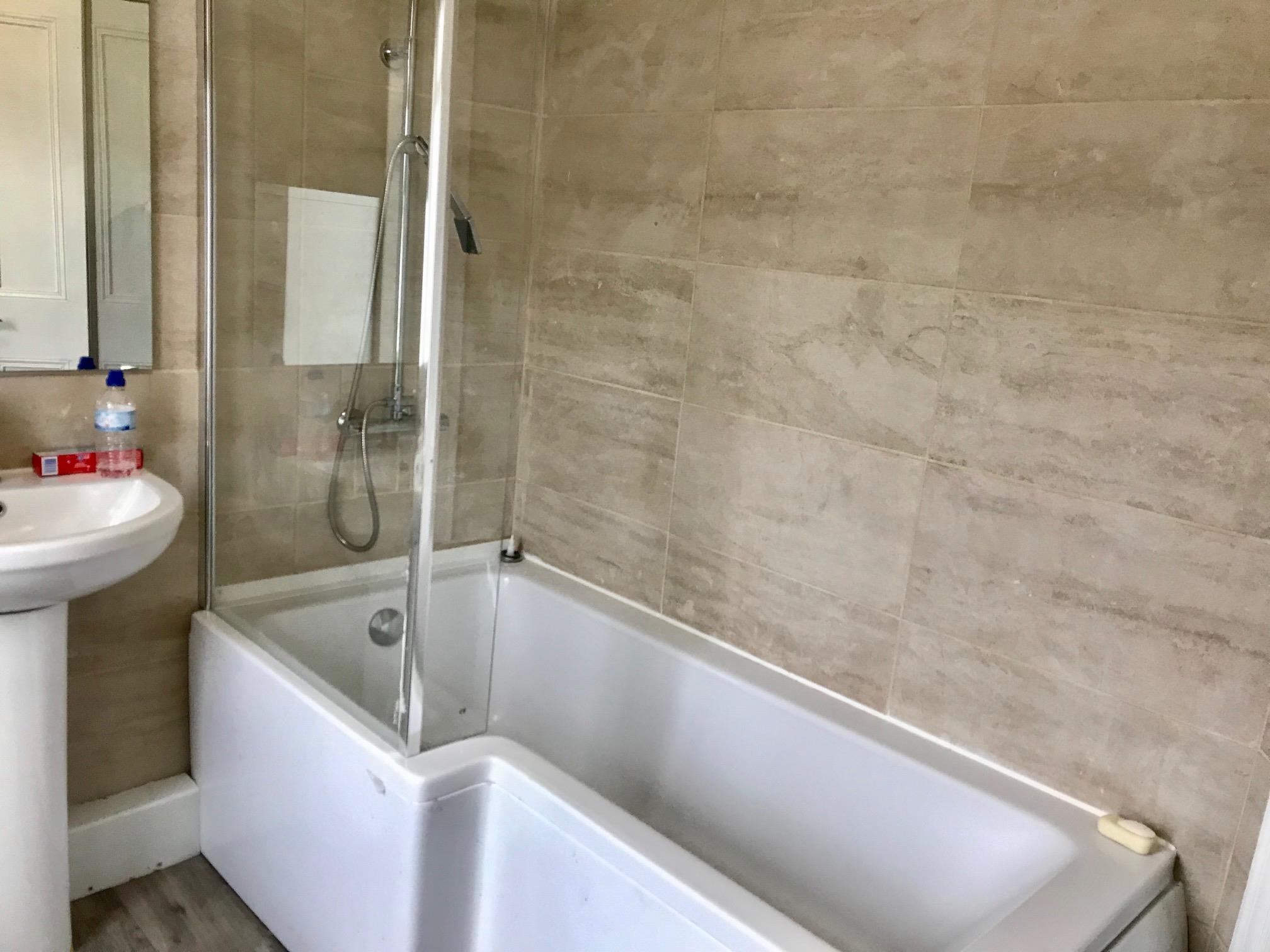 1 room in Worthing, Worthing, BN11 1LX RoomsLocal image