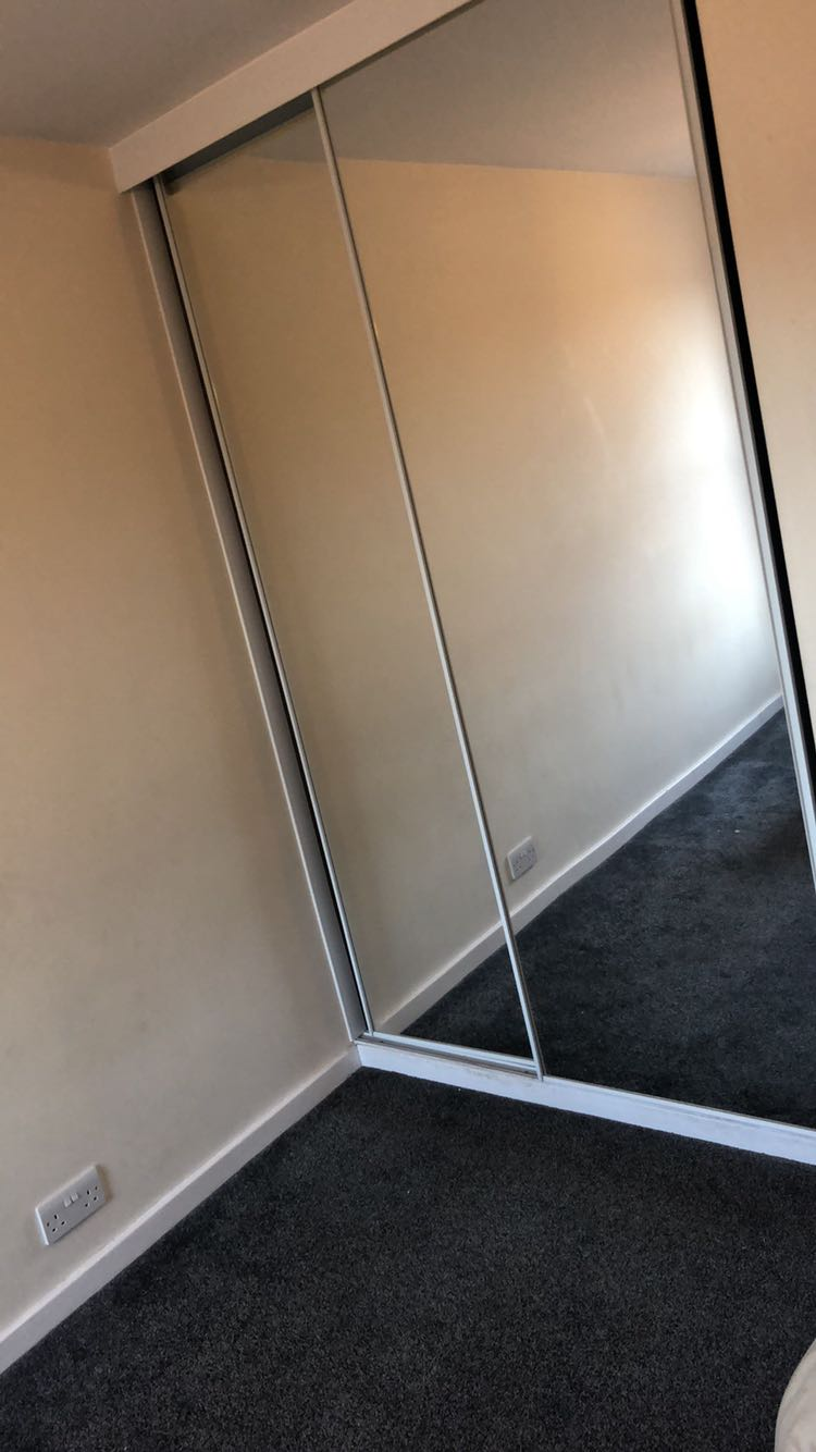 4 rooms in Hillsborough, Sheffield, S5 8UP RoomsLocal image