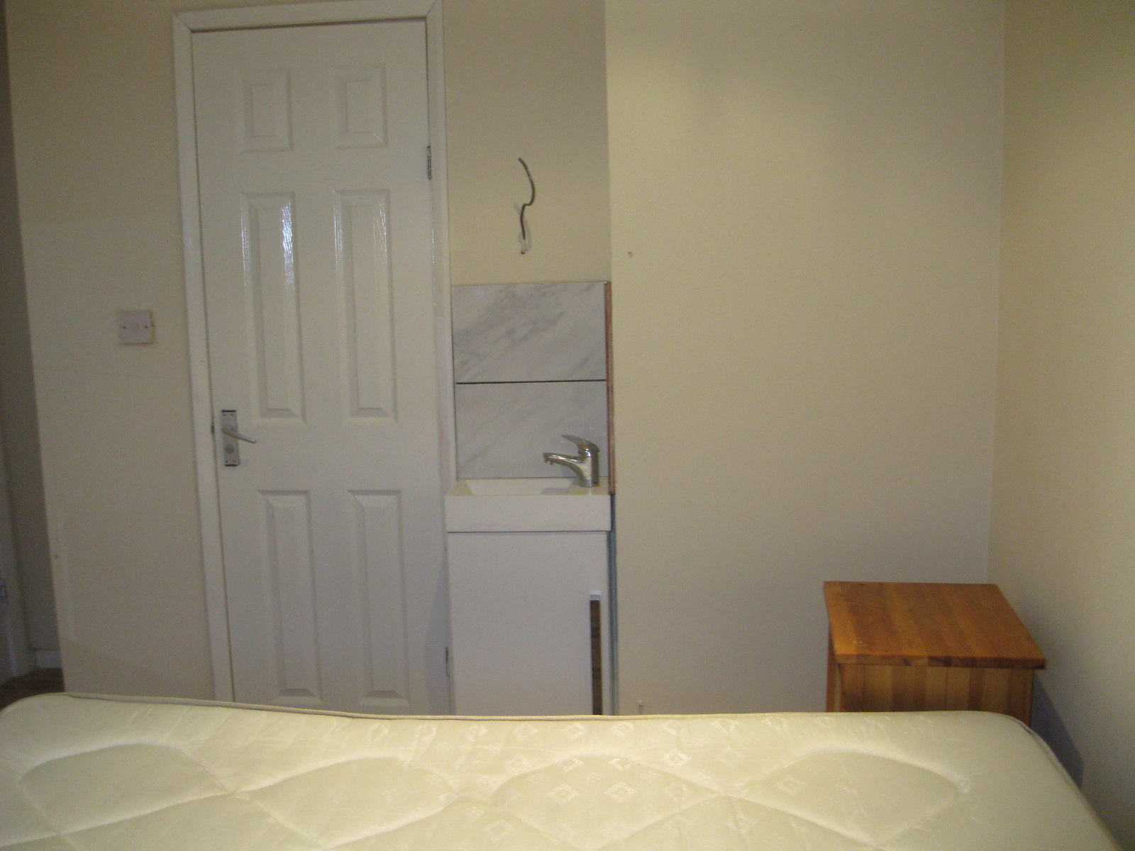 1 room in Chiswick Riverside, London, W44QQ RoomsLocal image